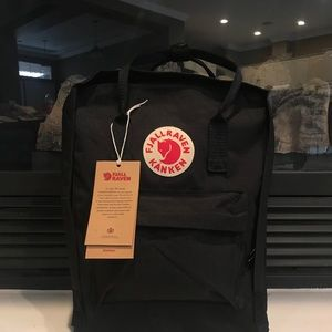 Fjallraven Kanken Backpack-Black NWT
